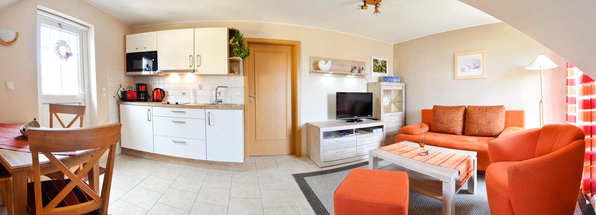 panorama-ferienwohnung-wohn-kueche2small